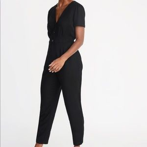 Old navy V-neck button front jumpsuit